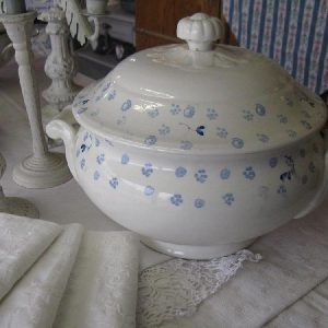 Alte Suppenterrine blauer Decor - BLUE COTTAGE