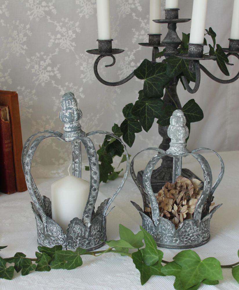 bezaubernde metallkrone grau gross blue cottage shop. Black Bedroom Furniture Sets. Home Design Ideas