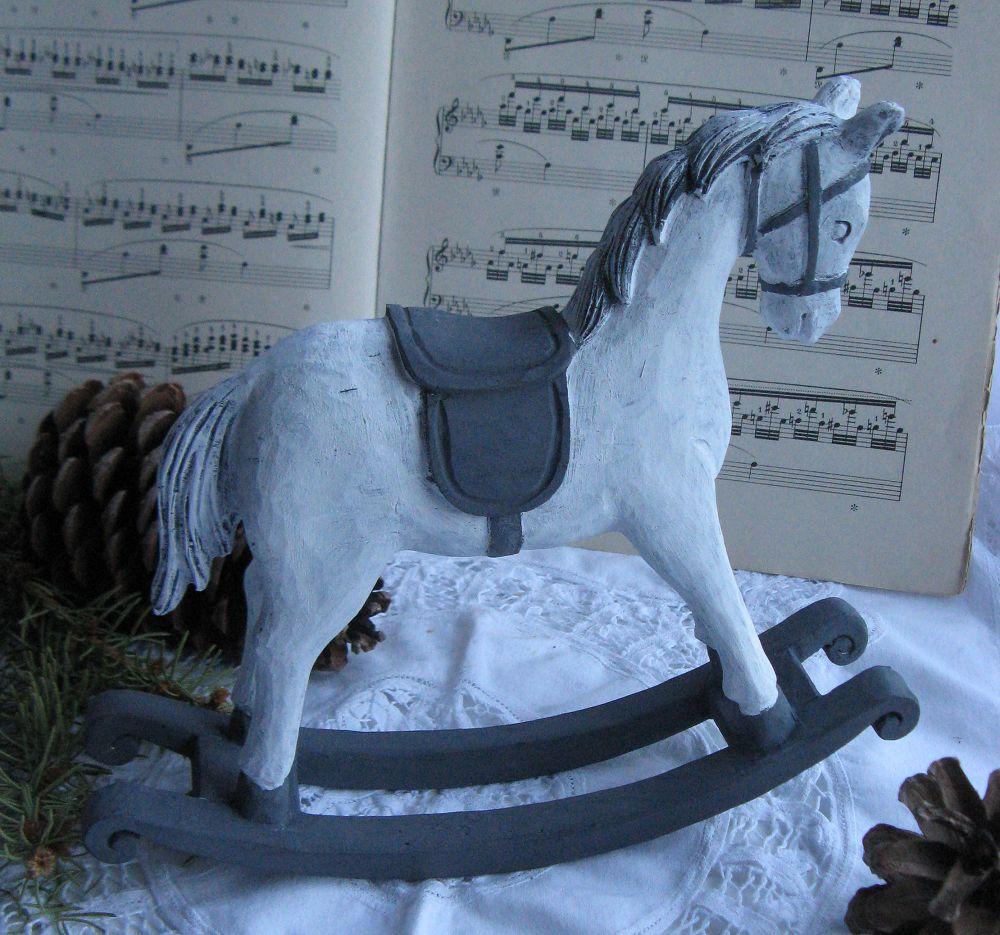 Schaukelpferd Christmas Pferd Weihnachten Deko Shabby: Handbemaltes Deko-Schaukelpferd