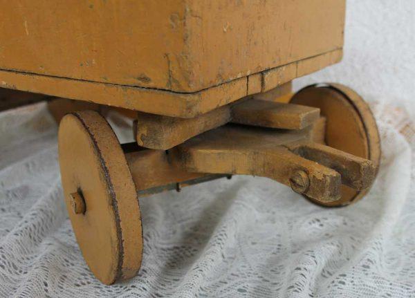 Antikes Holzspielzeug Wagen - BLUE COTTAGE