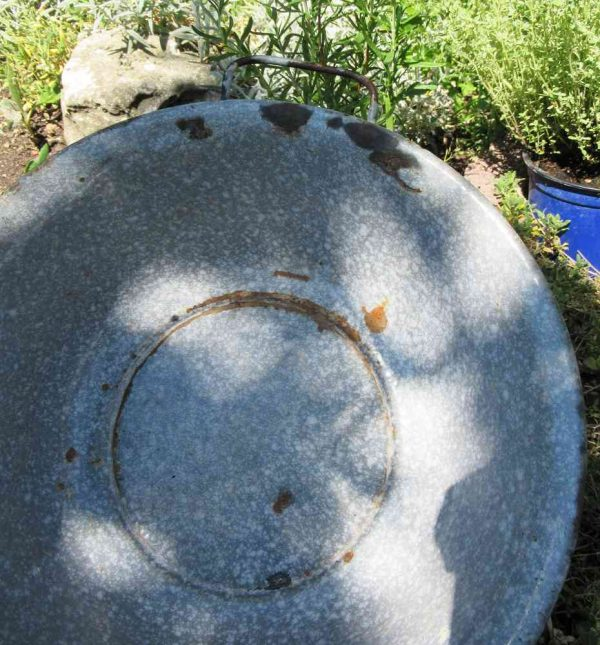antike graue Emaille-Schale mit Griffen BLUE COTTAGE