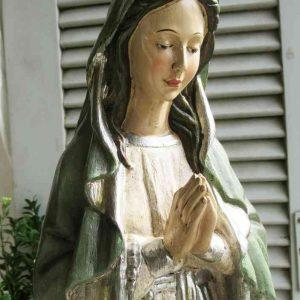 große Madonna Maria-Figur mit Rosenkranz BLUE COTTAGE