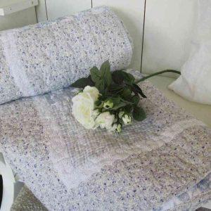 Quilt Decke Plaid mit blauem Blumenmuster BLUE COTTAGE