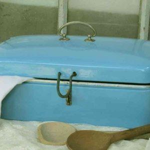 schöner uralter Brotkasten Emaille BLUE COTTAGE