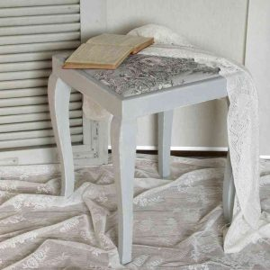zauberhafter alter Hocker shabby chic BLUE COTTAGE