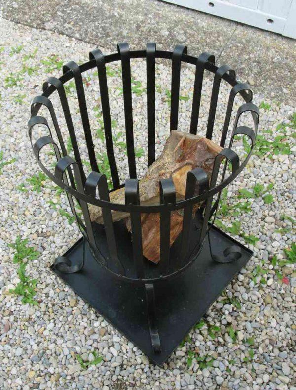 alter Feuerkorb mit Untersetzer BLUE COTTAGE