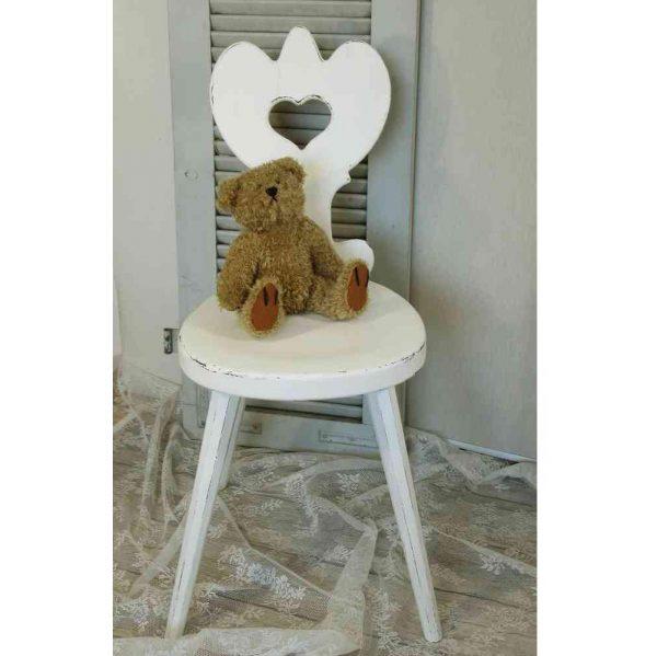alter Stuhl Holzstuhl massiv mit Herzlehne BLUE COTTAGE